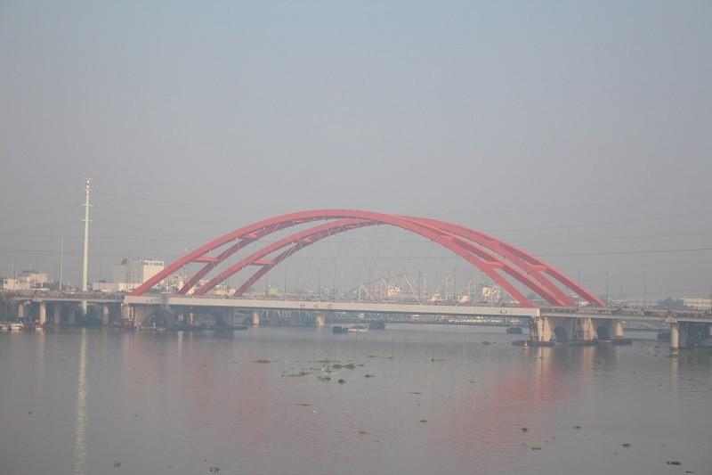 Sương mù dày đặc vẫn bao phủ Sài Gòn  - ảnh 2