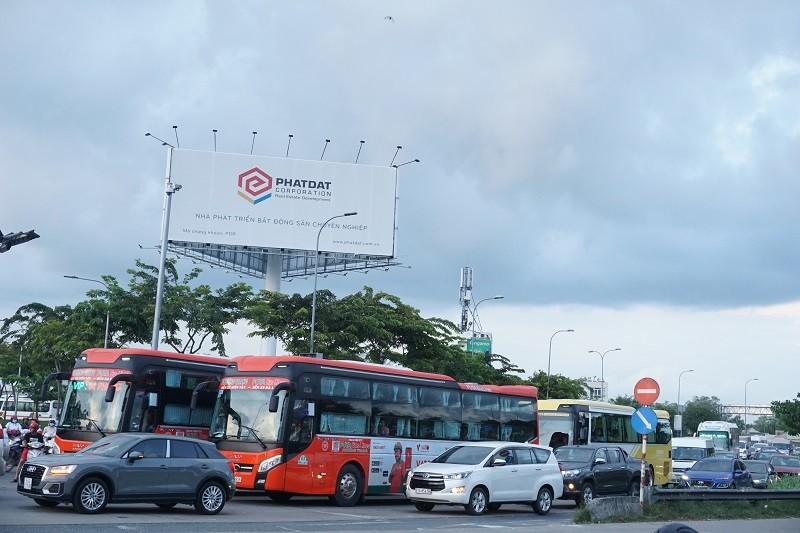 Chùm ảnh: Giao thông rối rắm tại nút giao An Phú - ảnh 3