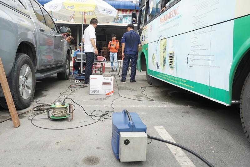 Chưa phát hiện xe vi phạm về khí thải ở Bến xe Miền Tây - ảnh 8