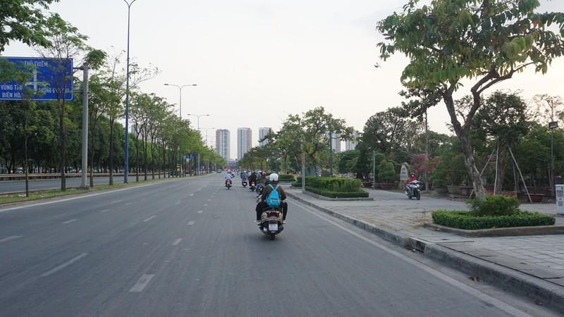 ben-xe-mien-dong-khong-un-tac10