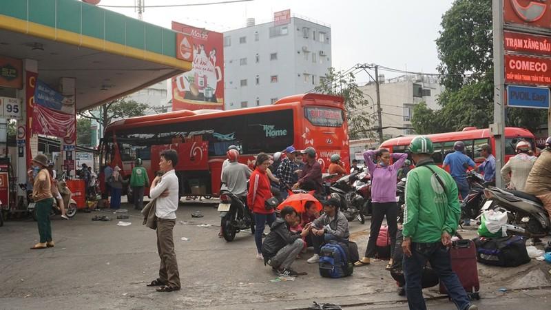 ben-xe-mien-dong-khong-un-tac8