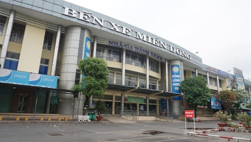 ben-xe-mien-dong-cach-ly-xa-hoi-13