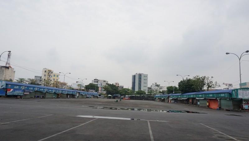 ben-xe-mien-dong-cach-ly-xa-hoi-4