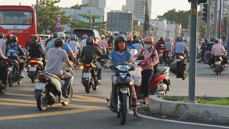giao-thong-phia-dong-TP.HCM-10