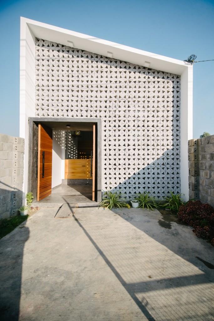 Hấp dẫn với ngôi nhà có nhiều giếng trời ở Kon Tum - ảnh 2