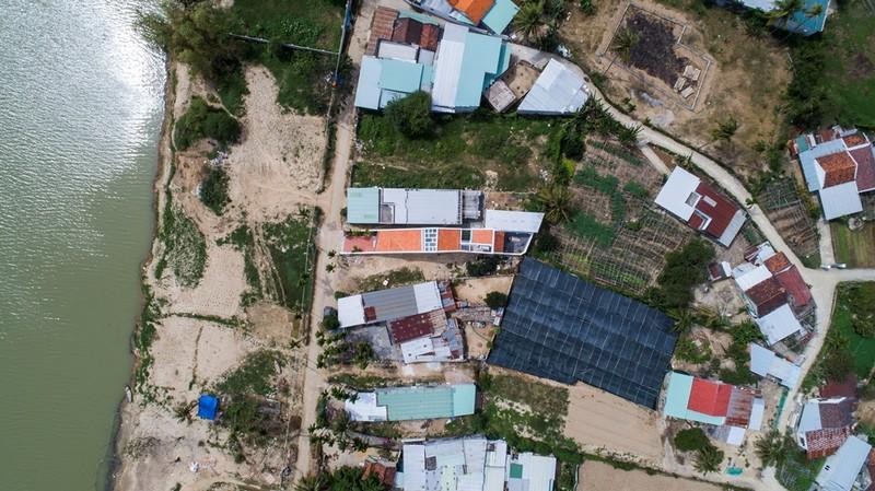 Nhà mái chóp dốc đẹp không thể rời mắt ở vùng đất Diên Khánh - ảnh 2