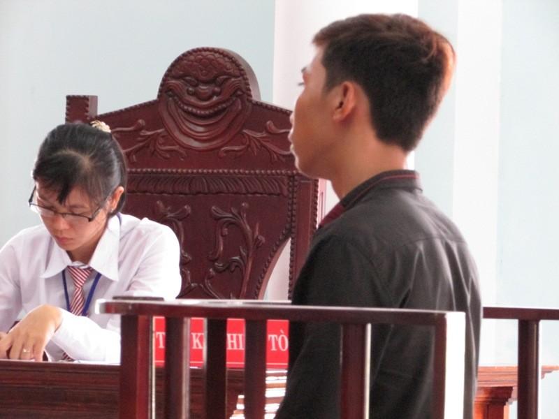 Gánh nặng của 'bà mẹ nhí' và người yêu sau phiên tòa - ảnh 1
