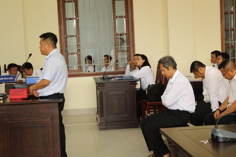 Bị cáo anh khóc xin lỗi… bị cáo em tại tòa - ảnh 2