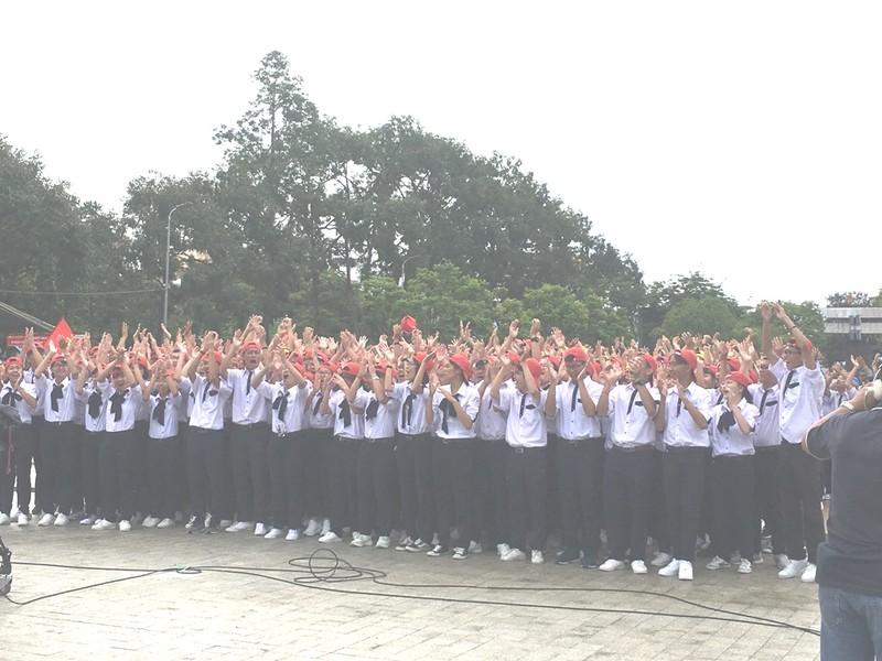 Cần Thơ nóng với hơn 3.000 người cổ vũ Nguyễn Bá Vinh  - ảnh 1