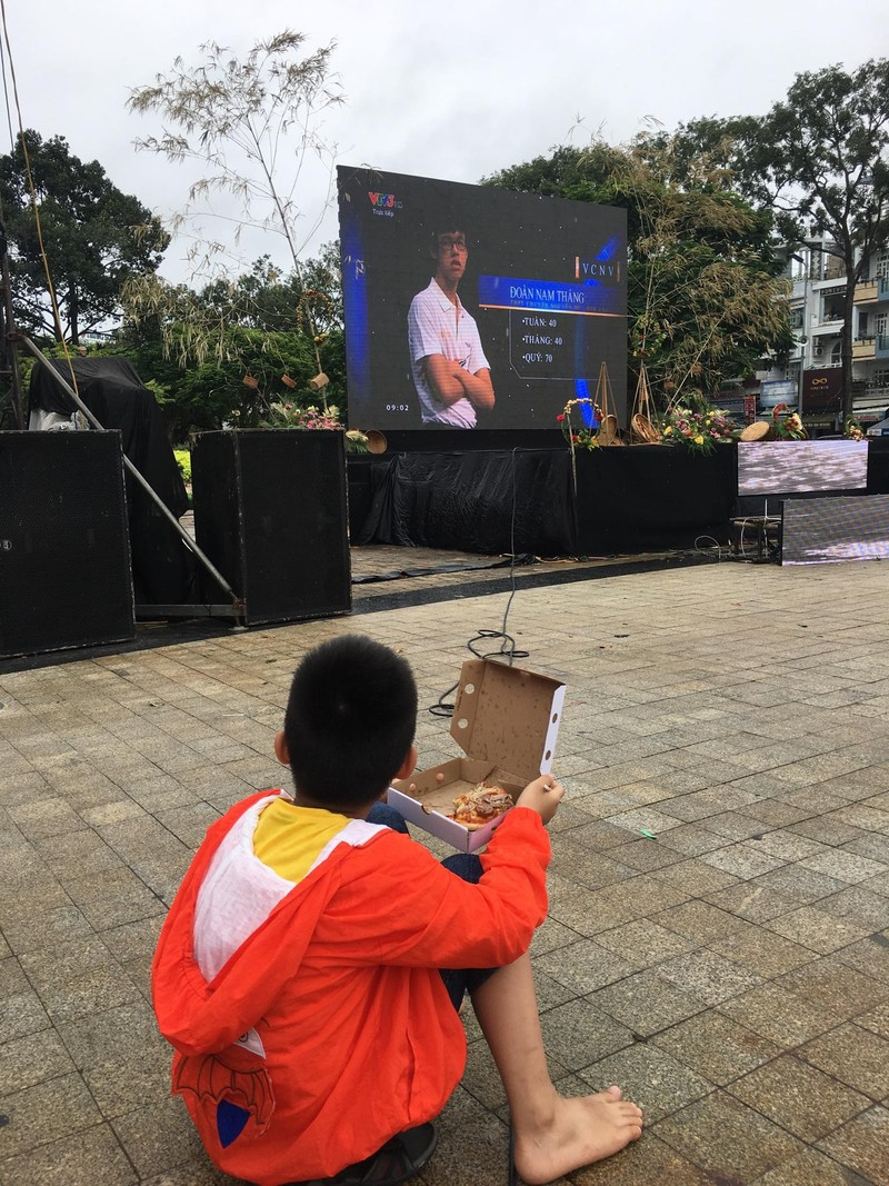 Cần Thơ nóng với hơn 3.000 người cổ vũ Nguyễn Bá Vinh  - ảnh 8