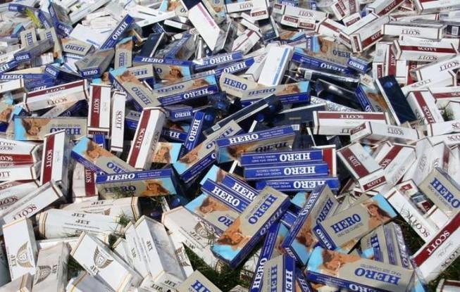 Hơn 1.000 bao thuốc lá lậu đổi lấy 12 tháng tù - ảnh 1