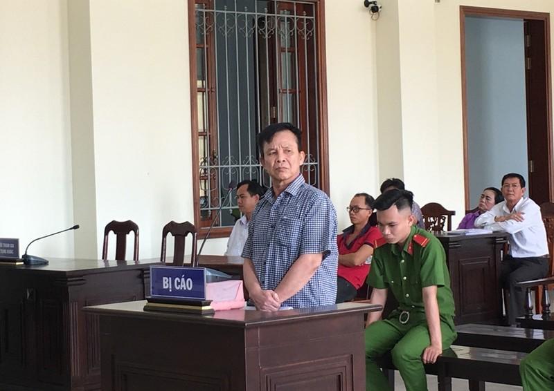 Bị cáo kêu oan: 'Tui sai tui cúi mặt trước hội đồng xét xử' - ảnh 1