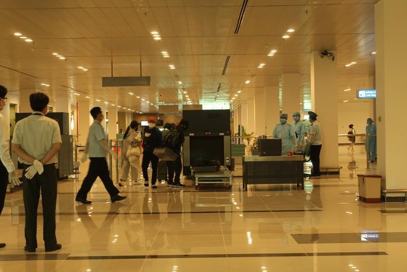 COVID-19: 121 người về từ Hàn Quốc được cách ly tại Sóc Trăng - ảnh 2
