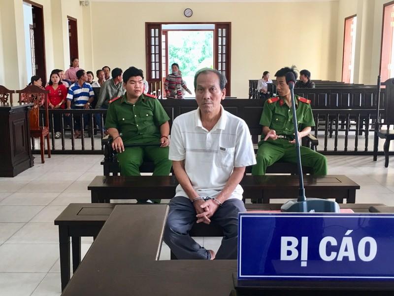 Ông già 78 tuổi hiếp dâm bé gái 6 tuổi lãnh 20 năm tù - ảnh 1