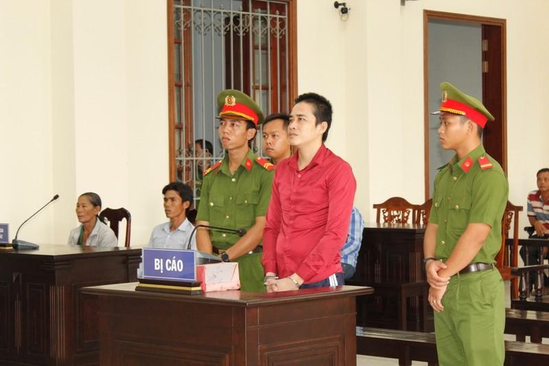 Tòa tuyên tử hình bị cáo sát hại mẹ vì bị la nhậu hoài - ảnh 1