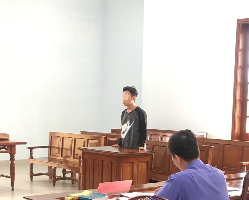 Nam sinh lãnh án tù vì 'yêu' học sinh lớp 7 - ảnh 1