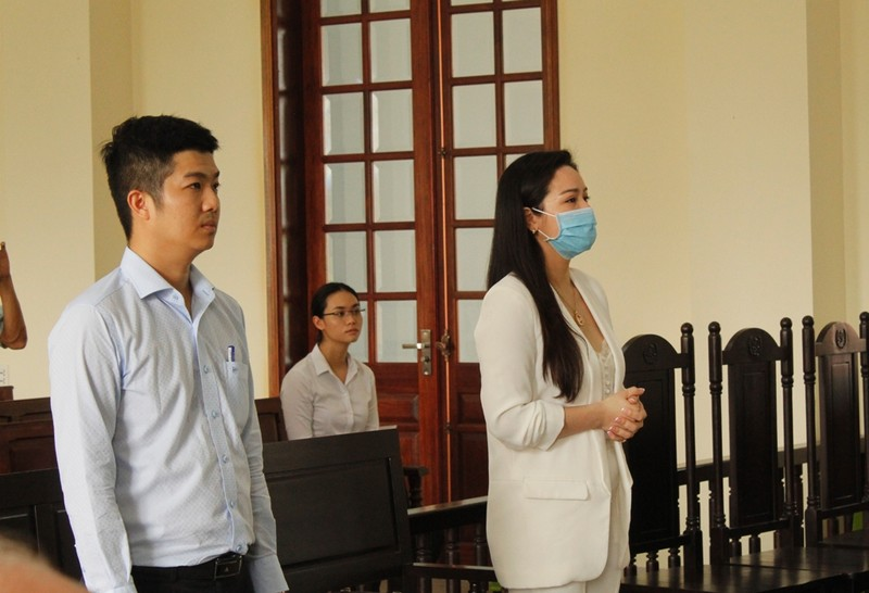 Hủy án vụ ca sĩ Nhật Kim Anh đòi quyền nuôi con - ảnh 1