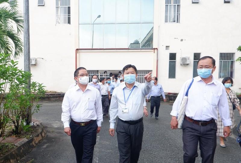 Cần Thơ: Kiểm tra việc triển khai bệnh viện dã chiến số 4 - ảnh 1