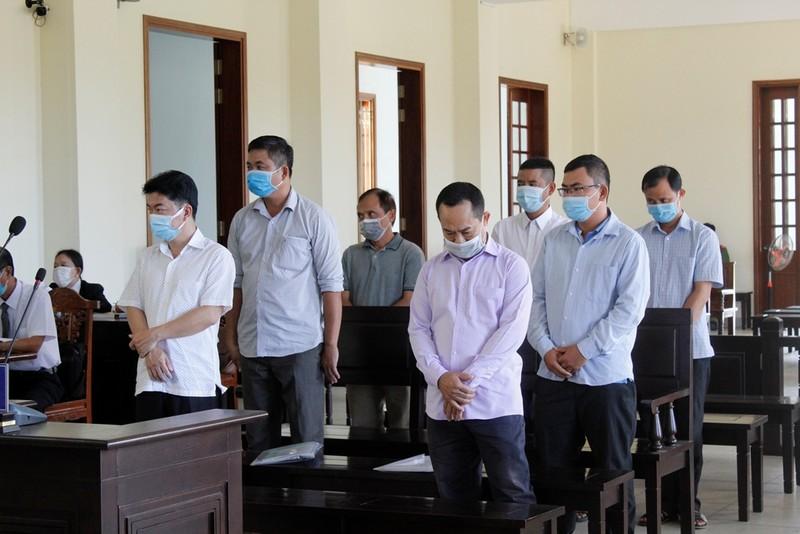 Cựu Phó Chủ tịch quận Bình Thủy nói mức án đề nghị với mình quá nặng - ảnh 2