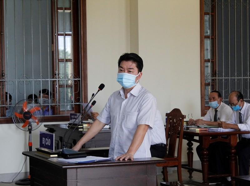 Cựu Phó Chủ tịch quận Bình Thủy nói mức án đề nghị với mình quá nặng - ảnh 1
