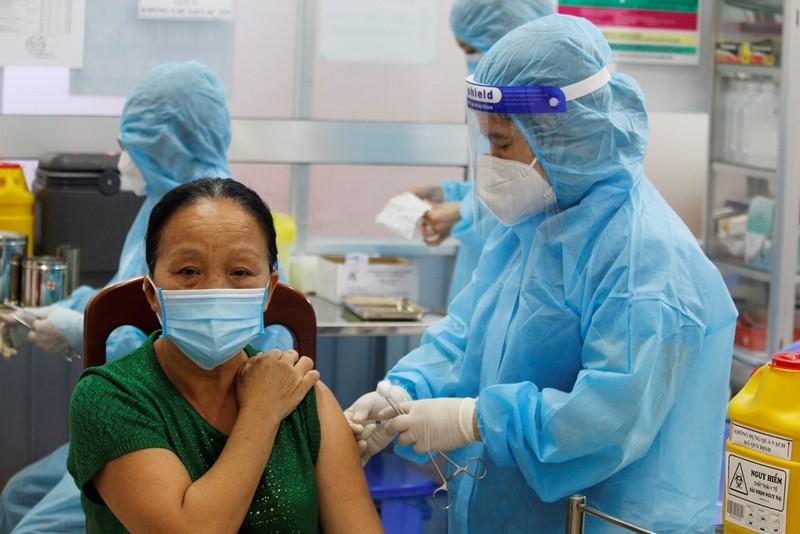 Người dân Cần Thơ bắt đầu tiêm vaccine Vero Cell - ảnh 1
