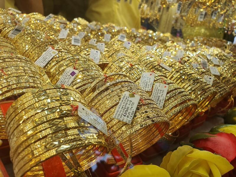 Thị trường vàng chao đảo - ảnh 1