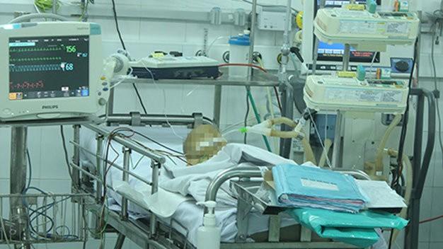 Vụ hai trẻ nghi bị tiêm thuốc diệt cỏ: Một trẻ đã tử vong - ảnh 1