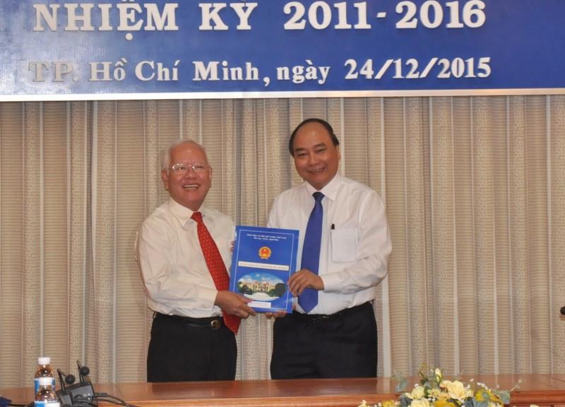 Phó Thủ tướng trao quyết định phê chuẩn nhân sự mới tại TP.HCM  - ảnh 1