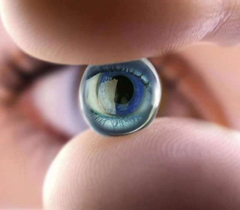 mắt nhân tạo