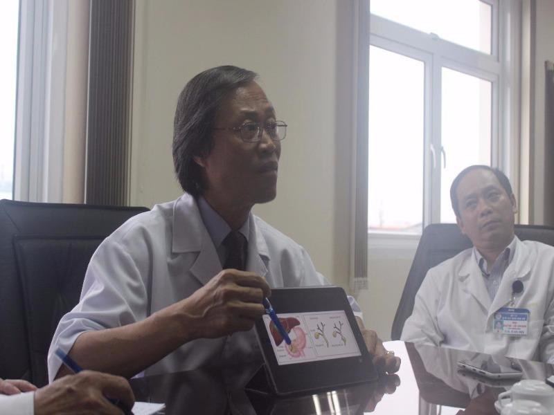 Ông Nguyễn Duy thăng, phó giám đốc BV trung ương Huế