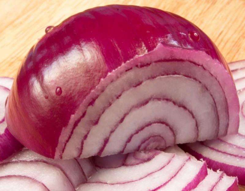Hành tây tím có chứa lượng dưỡng chất nhiều hơn hành tây trắng và vàng