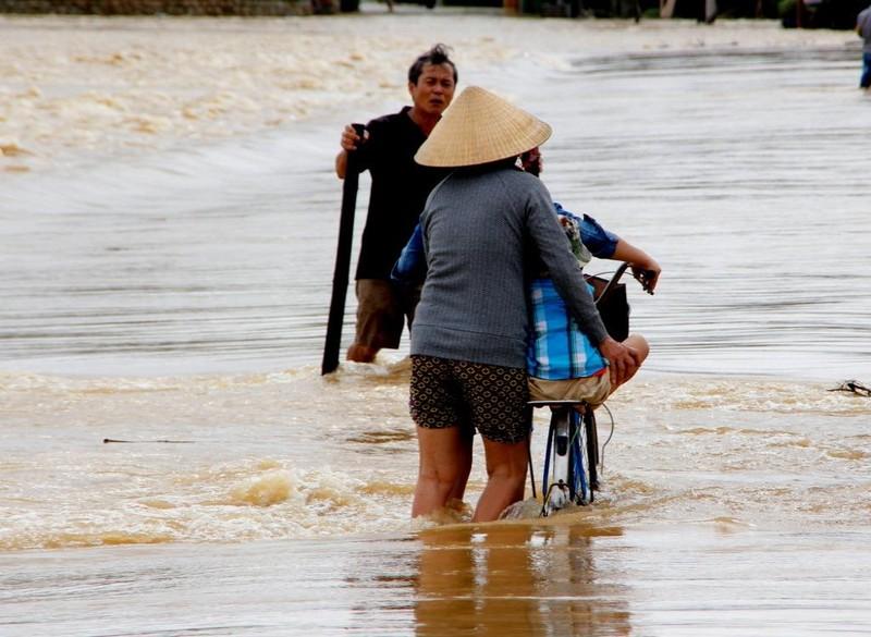 xã cẩm kim đang bị ngập nước