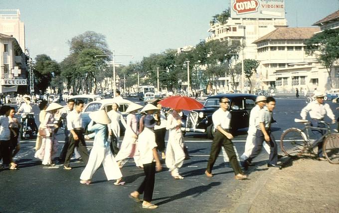 Trang phục phụ nữ Sài Gòn những năm 1950 - ảnh 2