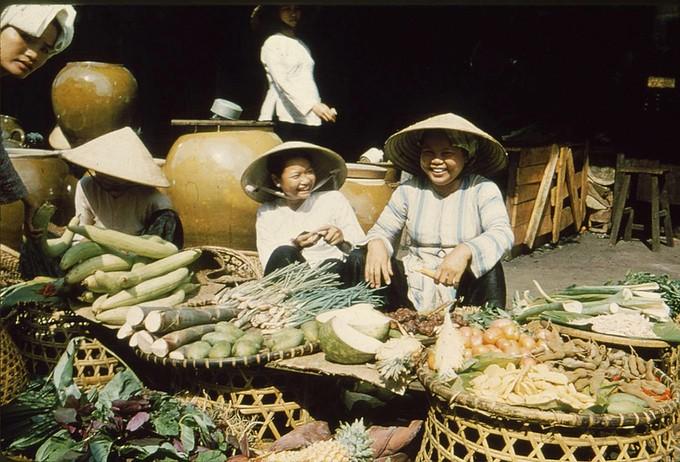 Trang phục phụ nữ Sài Gòn những năm 1950 - ảnh 8