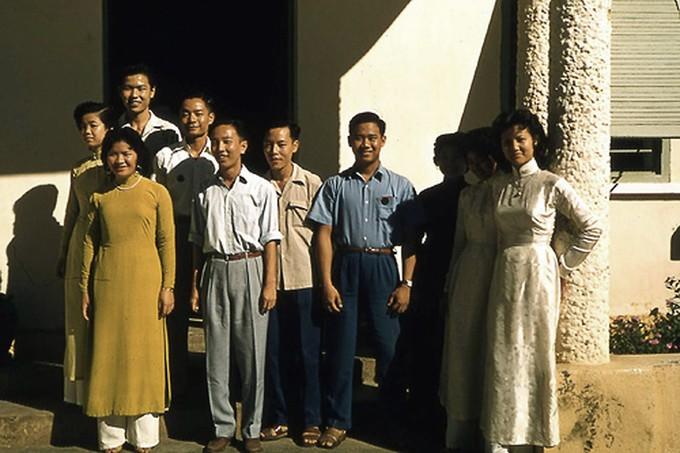 Trang phục phụ nữ Sài Gòn những năm 1950 - ảnh 1