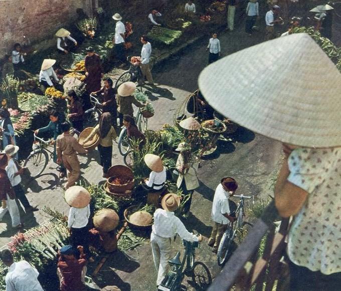 Phố cổ Hà Nội năm 1959 qua tay máy người châu Âu - ảnh 8