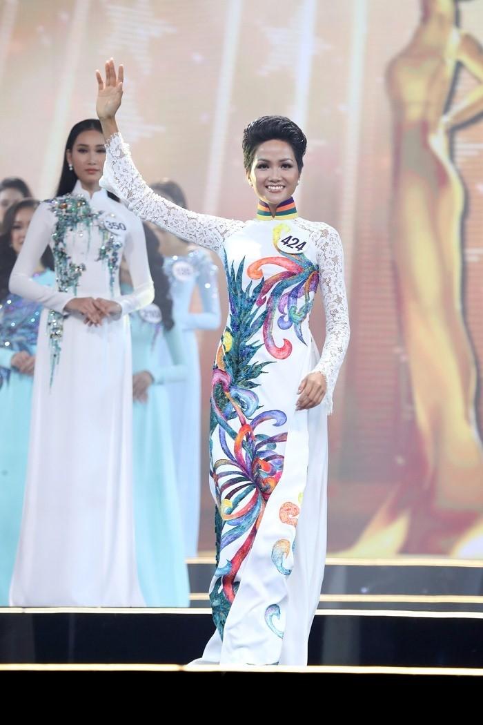 Chặng đường H'Hen Niê đến với chung kết Miss Universe 2018 - ảnh 3