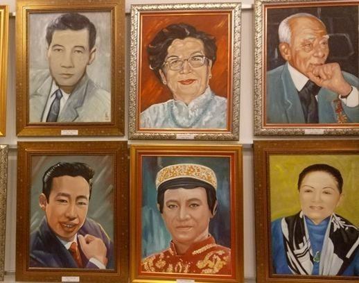 Ngắm áo mão của Kim Trọng, Thúy Kiều ở triển lãm cải lương - ảnh 2