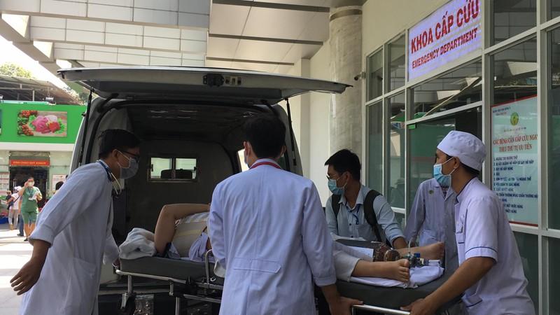 Thông tin mới vụ cây đổ, đè nhiều học sinh ở TP.HCM - ảnh 1