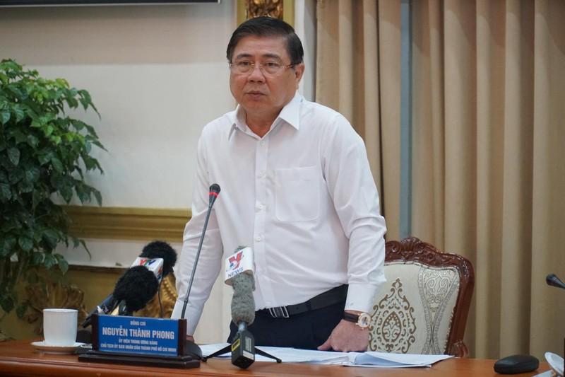 Chủ tịch TP.HCM: 'Tháng qua có 108 người nhập cảnh trái phép'  - ảnh 2