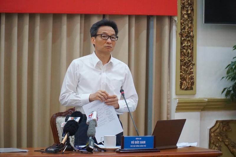 Chủ tịch TP.HCM: 'Tháng qua có 108 người nhập cảnh trái phép'  - ảnh 1