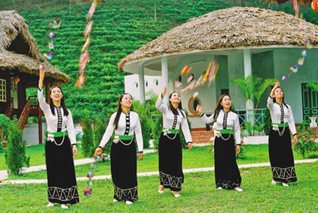 Lễ hội, văn hóa và... đồng hóa - ảnh 2
