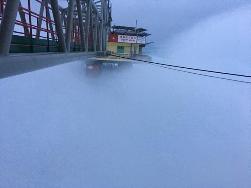 Chùm ảnh: Nhà giàn DK1 hiên ngang trước bão Tembin - ảnh 4