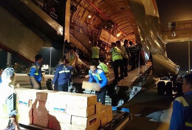 Khánh Hòa phân bổ 40 tấn hàng Nga viện trợ bão số 12 - ảnh 1