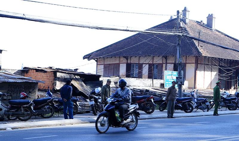 Công an Lâm Đồng: Vụ cháy 5 người chết nghi là án mạng - ảnh 1