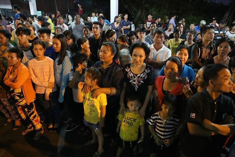 Đưa linh cữu cố TT Phan Văn Khải về HT Thống Nhất - ảnh 11
