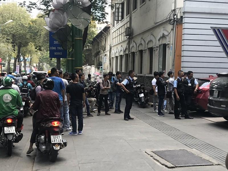 2 người của Eximbank Chi nhánh TP.HCM bị bắt - ảnh 1