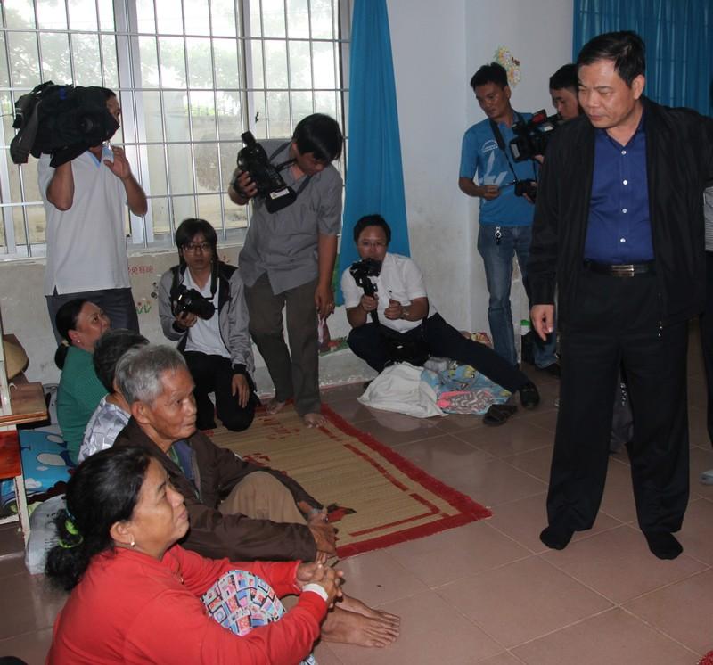 Bộ trưởng NN&PTNT: 'BR-VT phải sẵn sàng với tình huống xấu'  - ảnh 1