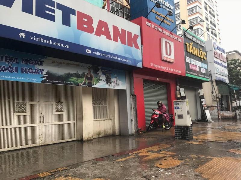 Bão vào Vũng Tàu, mưa to hoành hành khắp miền Nam - ảnh 11