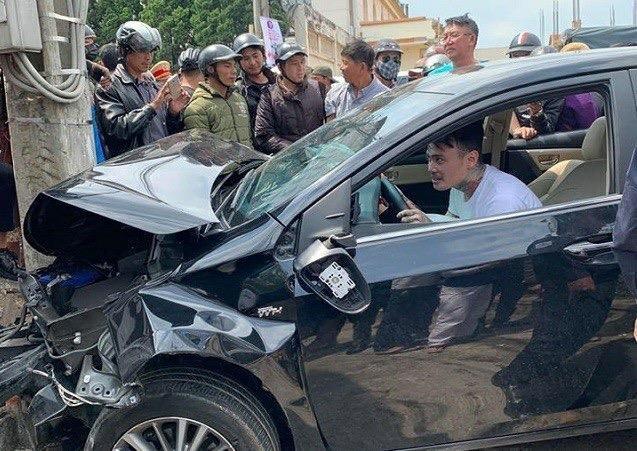 Việt kiều gật gù trong xe sau khi tông nhiều người bị thương - ảnh 1